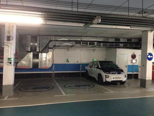 L'ICAEN posar a l'abast de les comunitats de propietaris punts de recarrega de vehicles elèctrics
